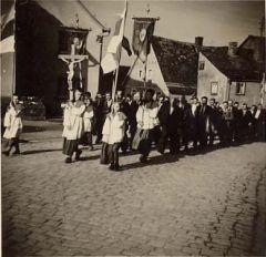 Einzug in Walldürn in den 50iger Jahren